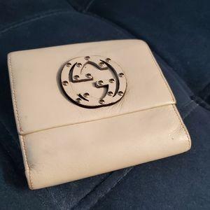 Gucci | Signature | White Bi-Fold Wallet